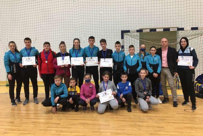 """25 medalja za karate klub """"MLADOST"""" Vitez u I kolu kantonalne karate lige"""