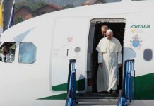 Papa Franjo otputovao u Irak, hiljade sigurnosnih djelatnika obezbjeđuje posjetu