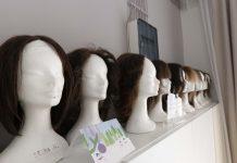 Vlasuljar Halilović besplatno pravi perike za djecu oboljelu od raka