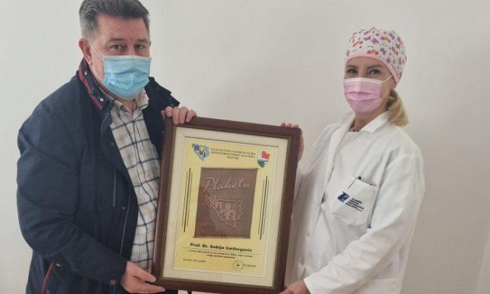 KCUS: Savez RVI SBK uručio plaketu prof.dr. Sebiji Izetbegović