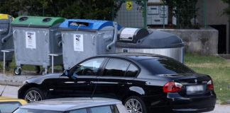 U automobilu u Kninu pronađeno beživotno tijelo dječaka