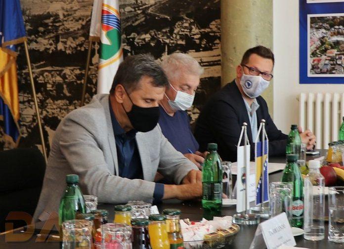 Premijer Novalić zahtijeva od ministrice Dujmović da osigura finansijsku podršku ženskoj košarkaškoj reprezentaciji BiH