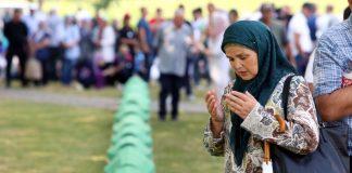 U Potočare pristižu učesnici komemoracije