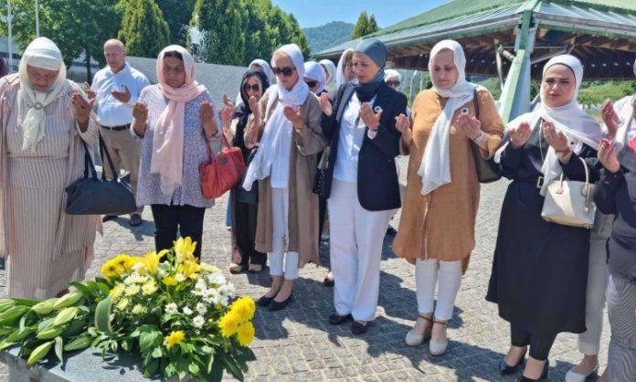 Delegacija Organizacije 'Žene SDA BiH' i Sebija Izetbegović jučer u posjeti Srebrenici