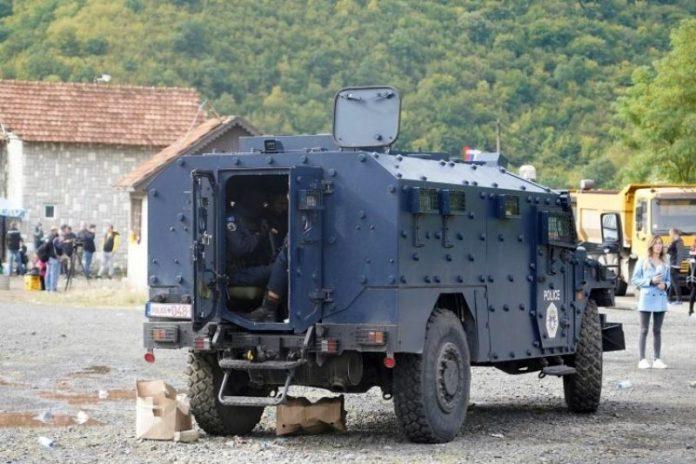 Deveti dan napetosti na Kosovu: Specijalci se ne povlače