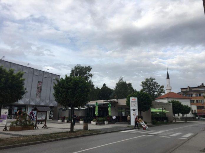 U BiH jutros oblačno, tokom dana kiša, pljuskovi i grmljavina